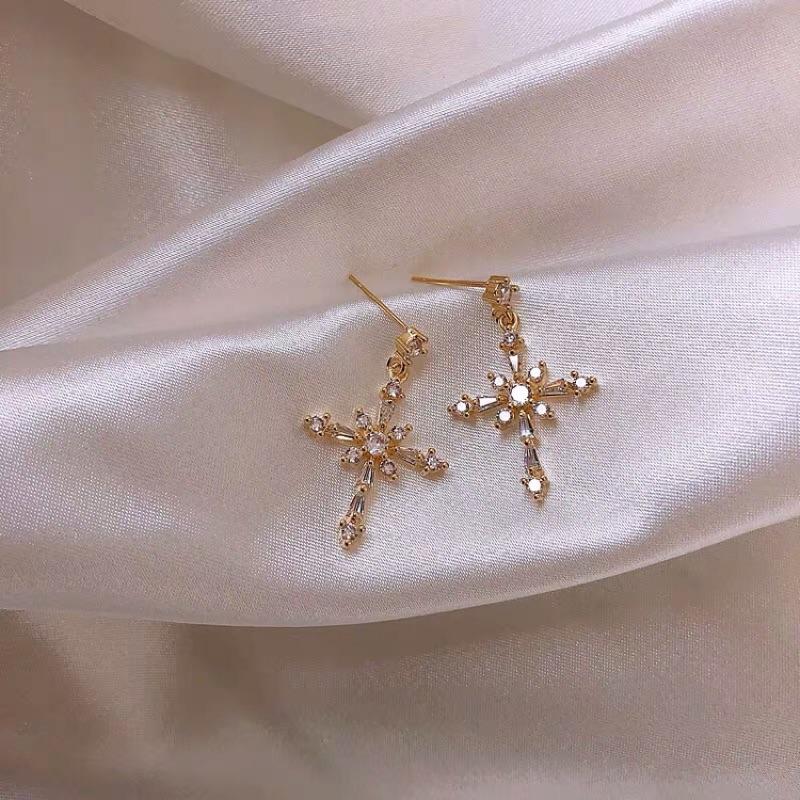香港 流行 銀飾S925純銀 復古款 閃亮 鑲鑽 十字架 純銀 耳環 耳針 現貨+預購
