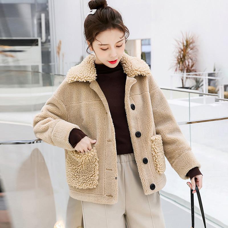 刷毛加厚仿羔羊毛外套 女短版韓版寬鬆 新款秋冬季羔羊絨上衣冬