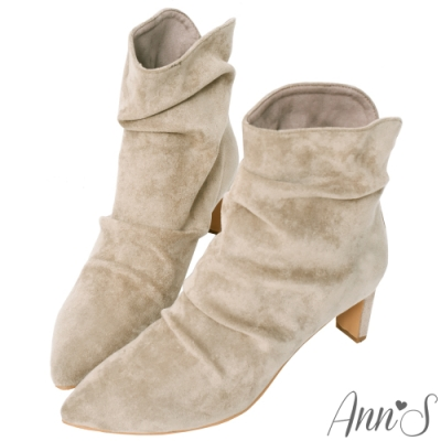 Ann'S香榭時尚-防水絨布自然抓皺V口扁跟襪靴-杏