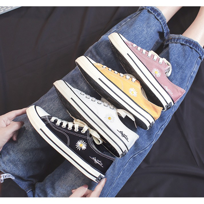 【J&Z】帆布鞋經典不敗款小雛菊低幫帆布鞋 小白鞋 休閒鞋 平底鞋 運動鞋 學生鞋 經典帆布鞋