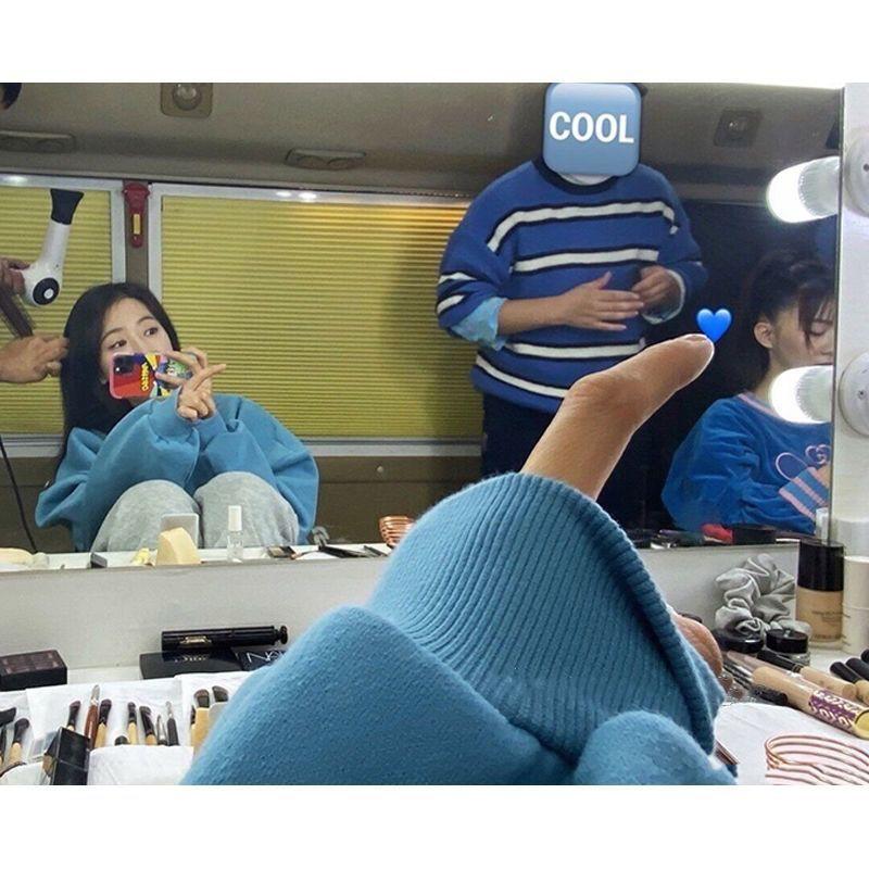 ✷┇周雨彤同款上衣女秋季霧霾藍笑臉刺繡寬松慵懶BF風套頭衛衣ins潮【11月30日發完】