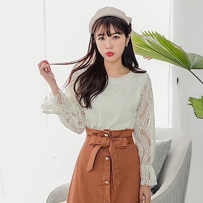 純色磨毛蕾絲雕花喇叭袖寬版上衣-OB大尺碼