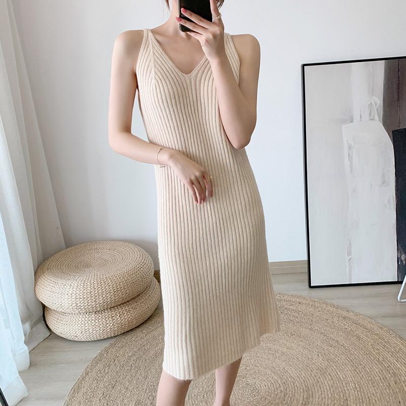 吊帶針織 V領 洋裝 女 中長款 修身 顯瘦 氣質 過膝 背心 打底裙 小黑裙潮