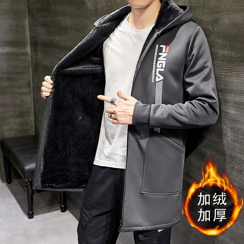 【M-5XL】冬季加絨加厚連帽外套 學院風潮流印花中長版風衣 大衣 舒適保暖內刷毛防風外套 夾克 大尺碼男外套 男生衣著