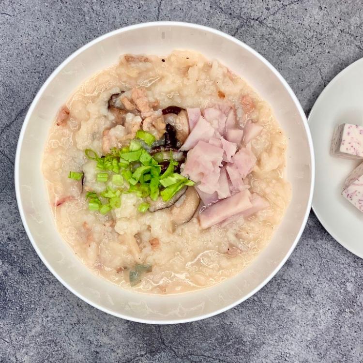 【老愛吃粥】心芋香菇黑豬鹹粥