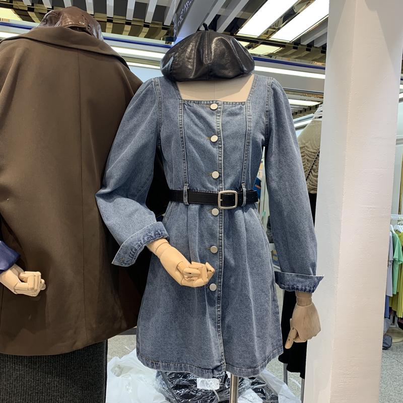 2020早秋韓版東大門新款長袖牛仔洋裝方領漏鎖骨單排扣小心機中長連身裙配腰帶