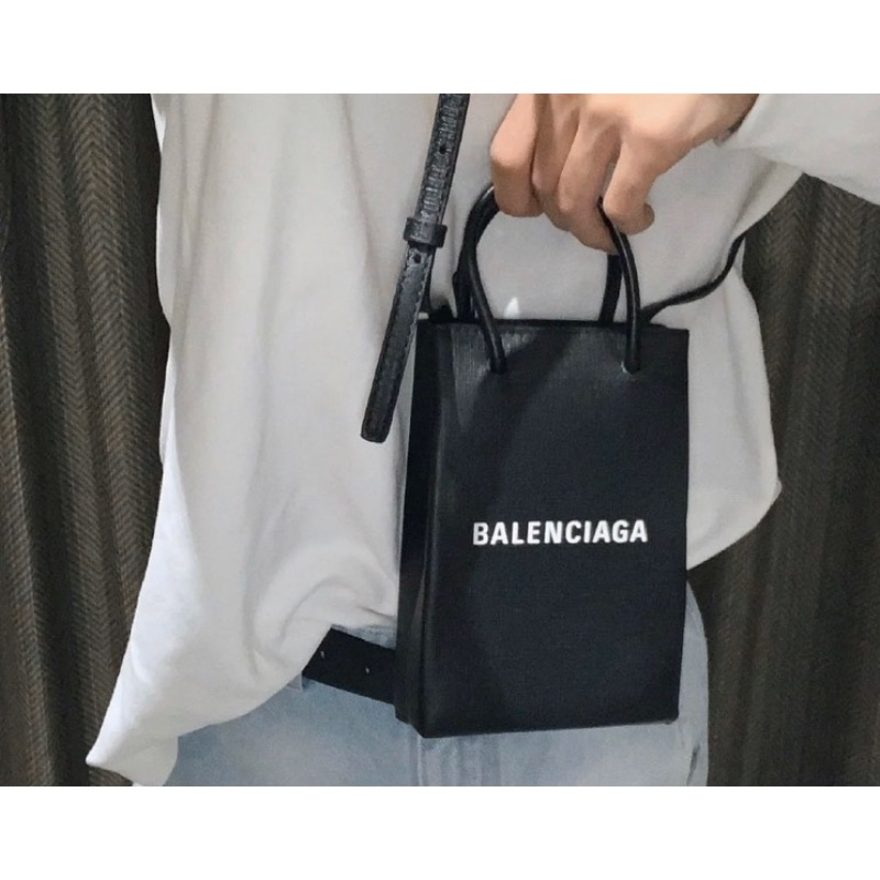 Balenciaga 全黑手機包