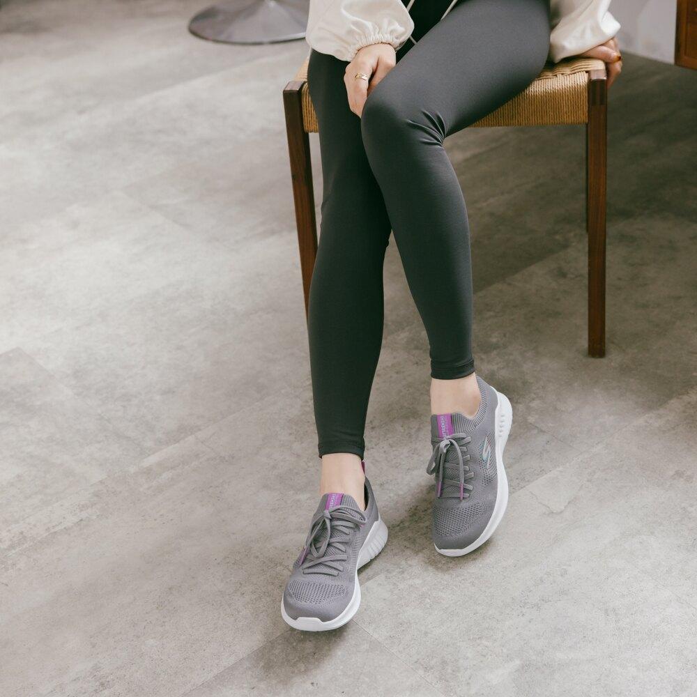 【滿2500再折200▼券號詳見結帳資訊】SKECHERS 慢跑系列 GORUN MOJO 2.0 綁帶運動鞋 灰 128145CCLV 女鞋