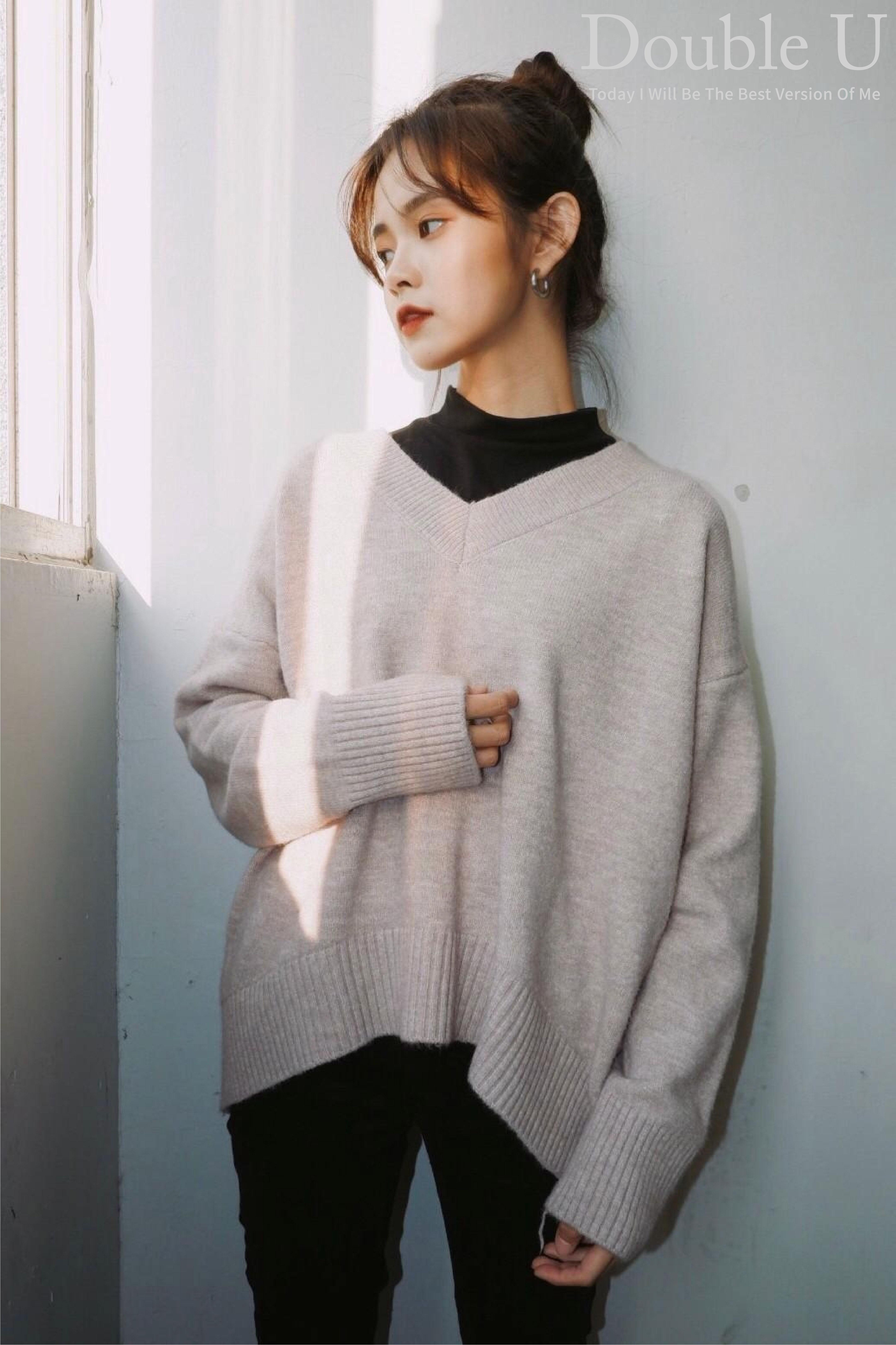 【double U 】現貨+預購 慵懶少女V領針織毛衣灰色