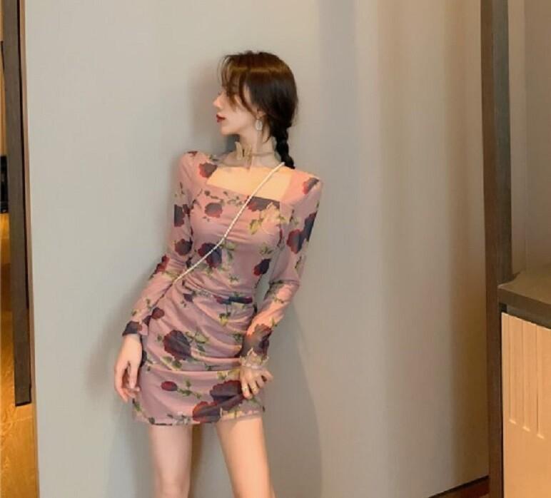 方領玫瑰花修身顯瘦網紗包臀褶皺連衣裙