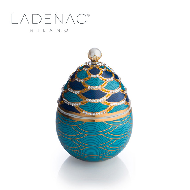 【西班牙皇室香氛 LADENAC】法貝熱彩蛋 淺藍鱗鑽 LIGHT BLUE SCALESG 220克 香氛蠟燭
