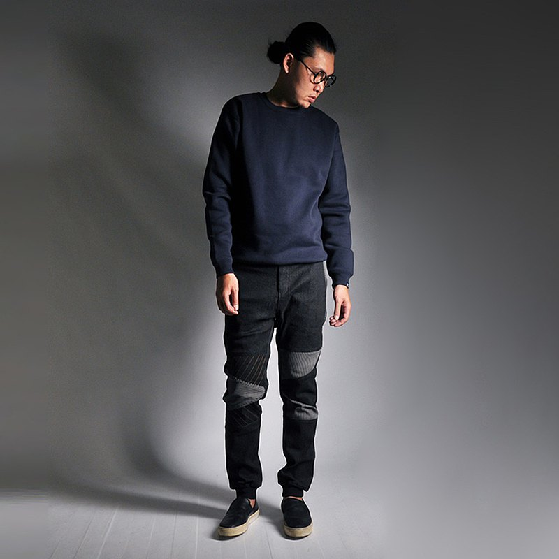 【INNATE】膝蓋拼接線條九分縮口牛仔褲 黑色