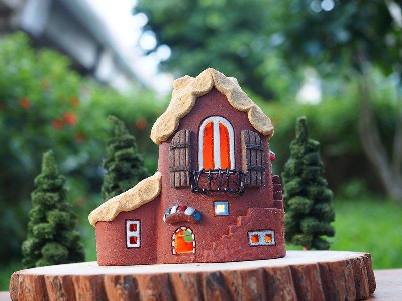 【燈屋 Lighted House】陶手作-可愛的家/不含木頭配件跟貓頭鷹