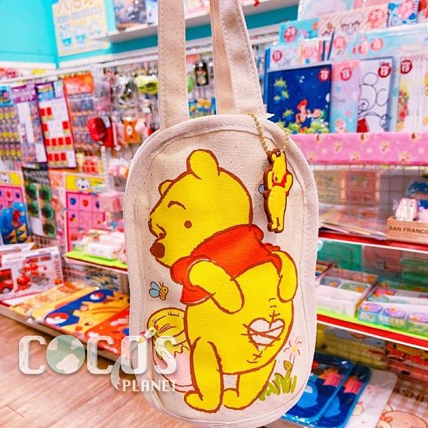 正版 迪士尼 小熊維尼 維尼熊 帆布手提袋 飲料提袋 收納袋 購物袋 附吊飾 A款 COCOS DK280
