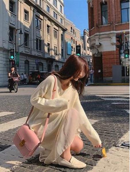 法式針織配大衣氣質打底長裙年新款女裝毛衣裙連衣裙子秋冬季