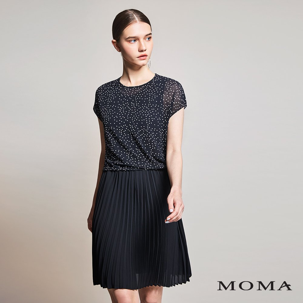 MOMA(01D029)點點百褶落肩洋裝