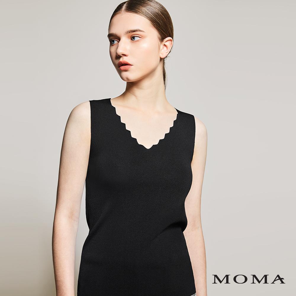 MOMA(01KM19)鋸齒領口針織上衣