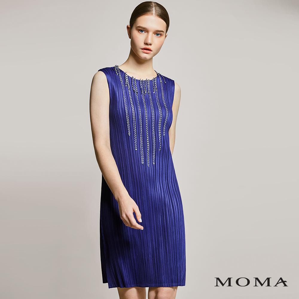 MOMA(01D017)繫繩裝飾壓褶洋裝