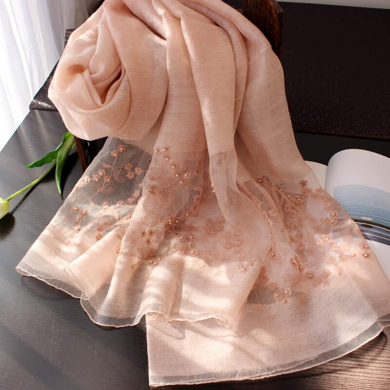 釘珠刺繡花羊毛圍巾女士春秋冬季知性淑女披肩冬天保暖絲巾厚款粉1入