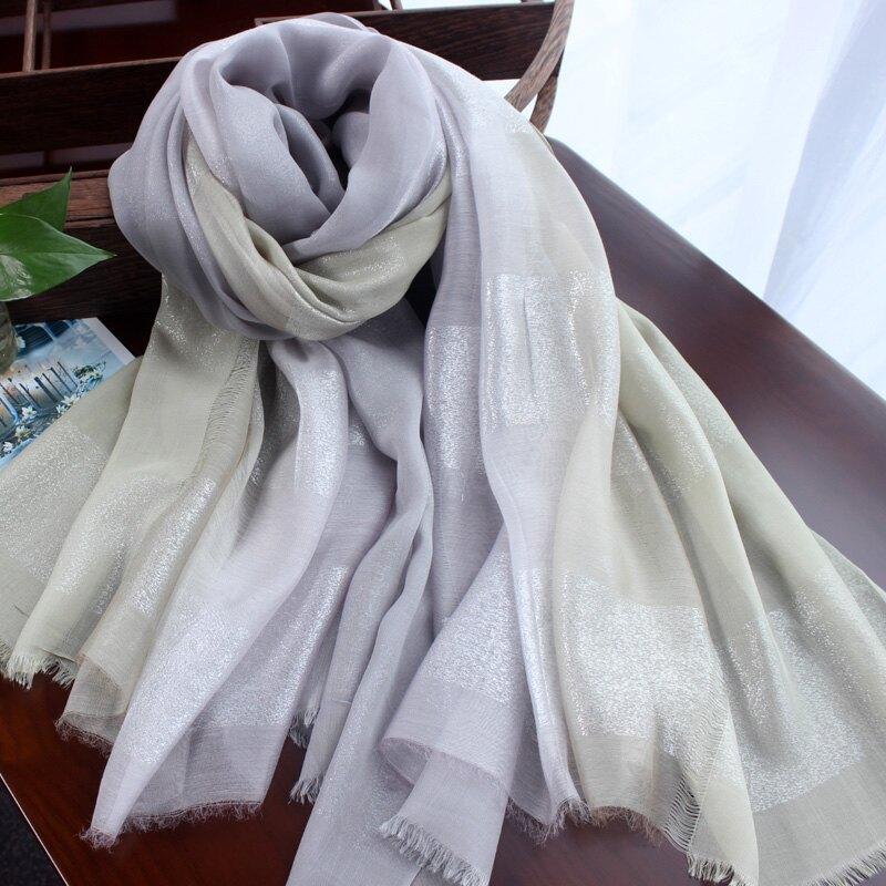 品質棉麻圍巾亮銀絲漸變色莫代爾棉絲巾女士春秋冬季氣質出眾披肩1入