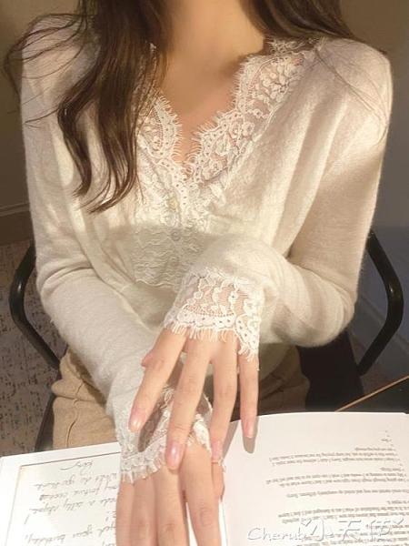 V領上衣 氣質白色V領蕾絲拼接打底衫女秋冬洋氣溫柔內搭毛衣修身針織上衣 小天使