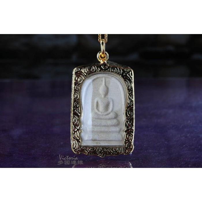 龍婆本廟全效型崇迪佛牌,保平安、感情順利、避險、擋災、助人緣、強力招財助事業B01