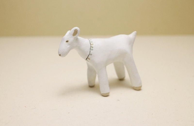 玉記 手捏白色小羊 擺設