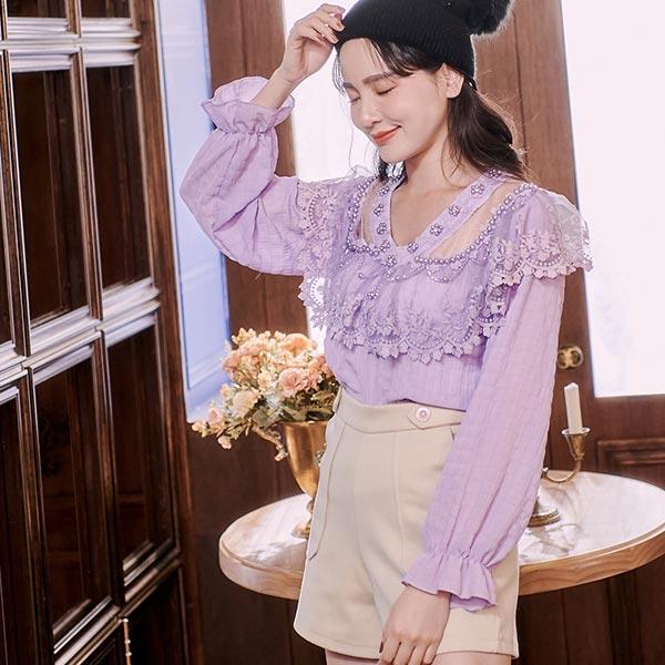 露比午茶-珍珠花朵透膚長袖上衣