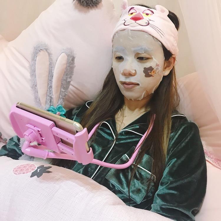 全台免運/少女心放映室 創意加長掛脖子懶人手機支架 床頭桌面手機架子通用-Ifashion