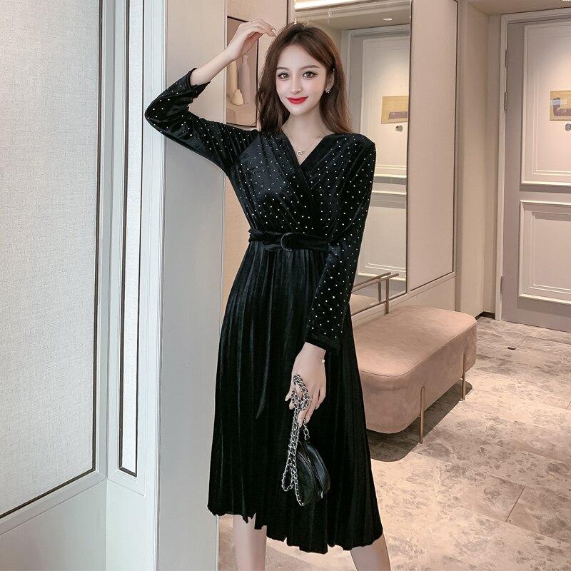 收腰顯瘦絲絨連衣裙女2020春裝新款韓版中長款V領長袖氣質百褶裙1入