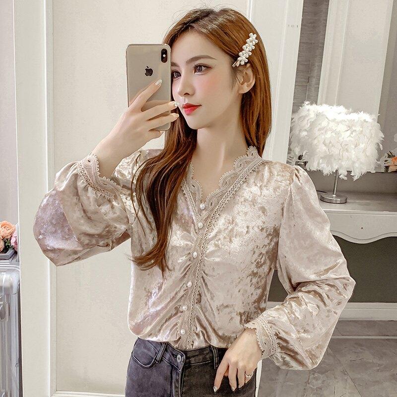 襯衫女2020春裝新款韓版洋氣小衫V領蕾絲花邊單排扣長袖絲絨上衣1入