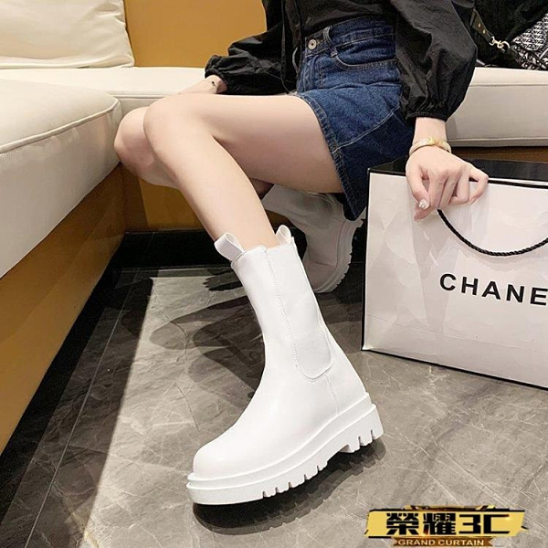 中筒靴 網紅馬丁靴女2021秋冬新款切爾西靴女中筒厚底白色煙筒靴 榮耀