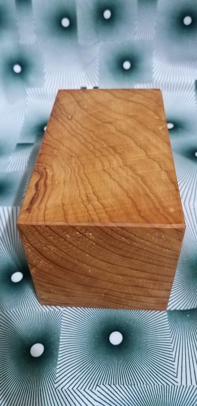 台灣檜木木材 閃光