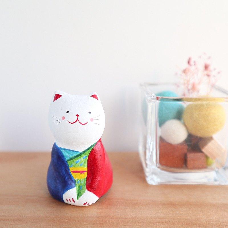 色彩鮮豔的日本衣服貓