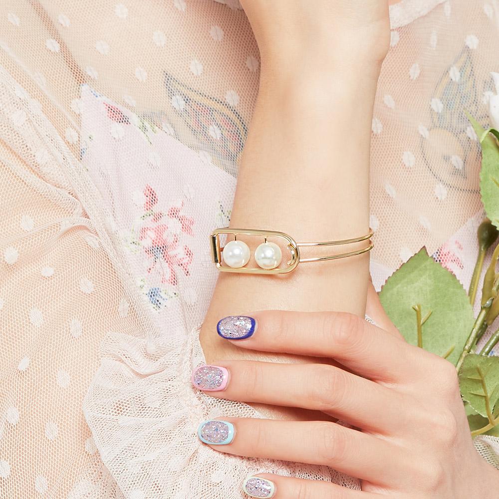 時尚鏤空珍珠寬版手環(2色)-E20018