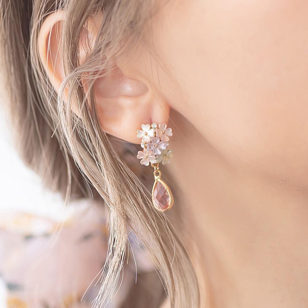花團錦簇粉晶垂墜淚滴鈦針耳環-A20058