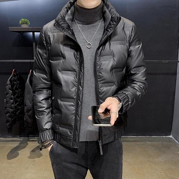 男羽絨服 羽絨服男輕薄短款2020年新款冬季潮流帥氣加大碼潮牌亮面男士外套