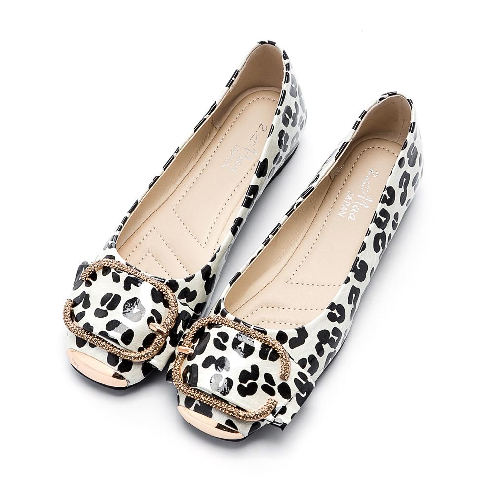 2.Maa 性感豹紋飾扣平底娃娃鞋 - 銀灰