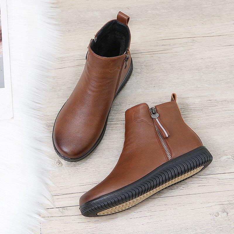 中年女保暖鞋 冬季媽媽棉鞋中老年人平底短靴奶奶皮鞋刷毛保暖軟底防滑中年女鞋【xy4418】