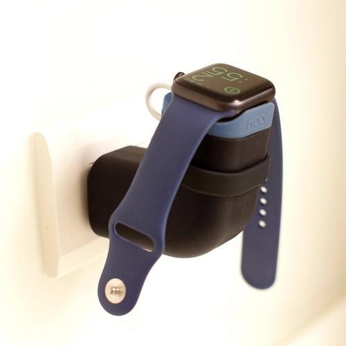 外出旅行方便攜帶*線材不再雜亂*【Mooy】 TIKTOQ插座式隨身充電座(Apple Watch專用)