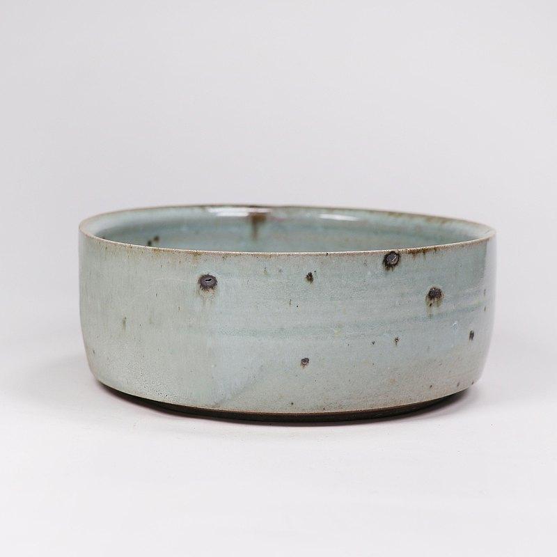 明芽窯 l 柴燒鐵斑原礦水方茶洗花器