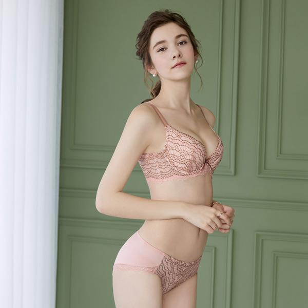 瑪登瑪朵 無限包覆內衣  B-E罩杯(薔薇粉)