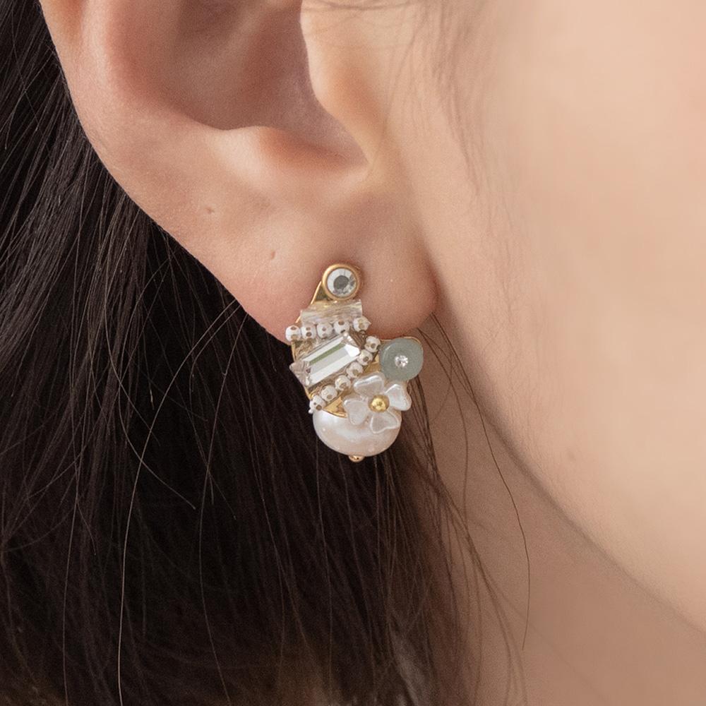 小奢華弧形綴珍珠無鎳耳環-A30046