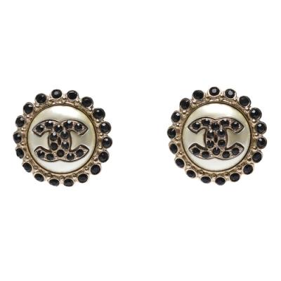 CHANEL 經典雙C LOGO黑鑽排列圓形造型穿式耳環(金色)