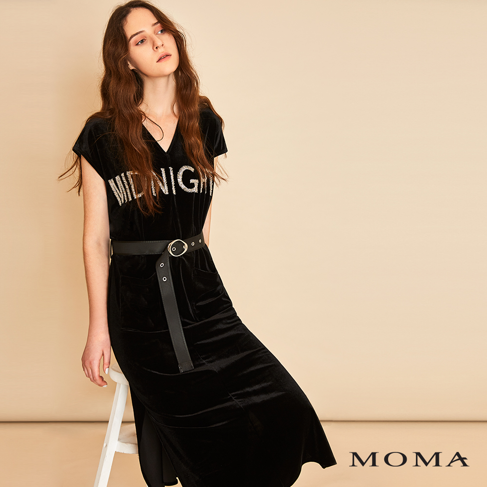 MOMA(01D042)絨布口袋字母洋裝