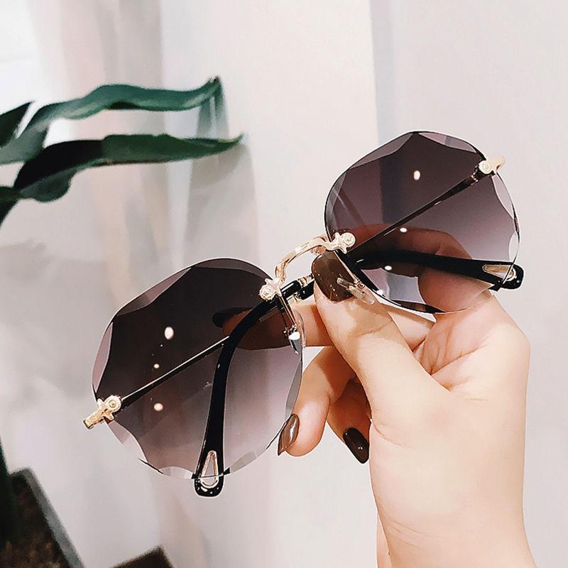 好质量2020新款太陽鏡女歐美切邊大框個性網紅明星蛤蟆鏡墨鏡女無框眼鏡