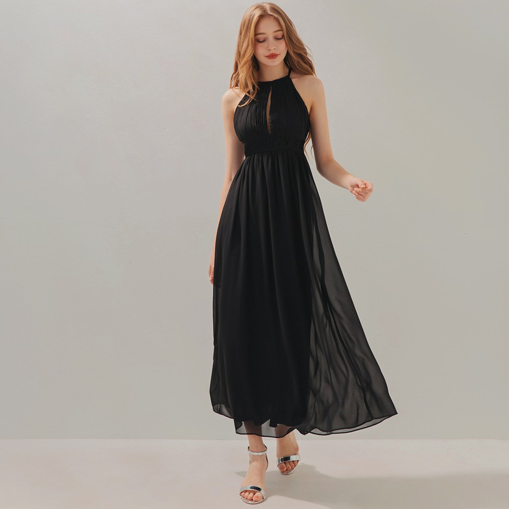 AIR SPACE 仙女壓褶鏤空削肩雪紡長洋裝(黑)