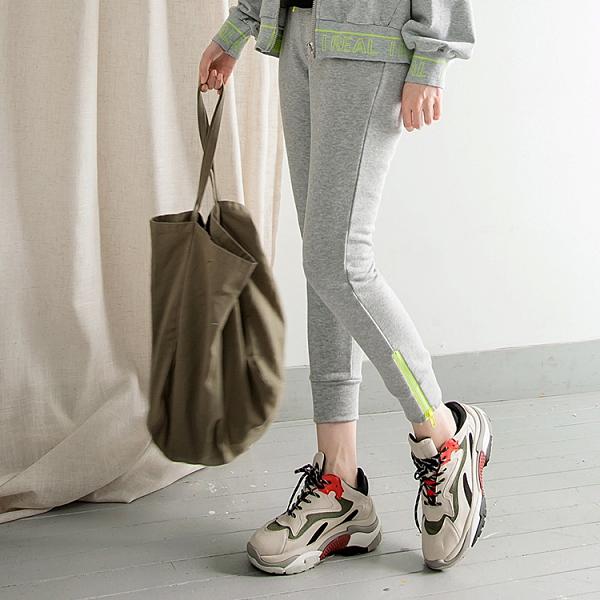 《KS0648-》台灣製造~螢光撞色褲管拉鏈抽繩運動棉褲 OB嚴選