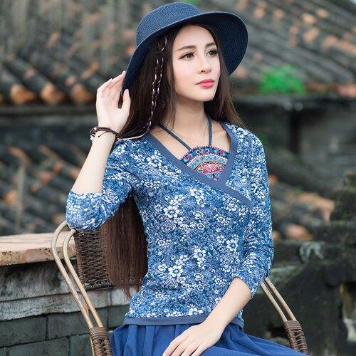 春裝新款民族風女裝上衣中國風長袖T恤秋裝復古假兩件肚兜T恤1入