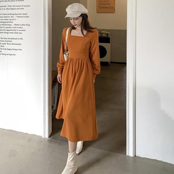 洋裝 冬季收腰顯瘦氣質裙子百褶裙方領百搭中長款連衣裙女2021秋冬新款 歐歐